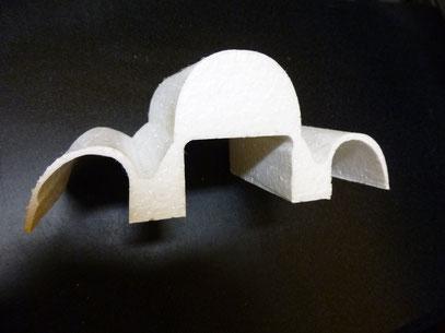 Geometria de foam hecha con plantilla de MDF cortada por laser