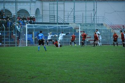 90': Ambrosini sta per realizzare il gol del definitivo 4-0