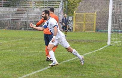 15' esultanza di Castagna dopo il gol dell'1-1