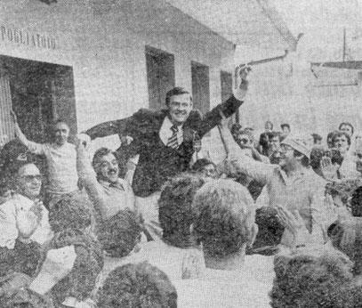 Il Presidente Duberti portato in trionfo