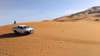 モロッコ/サハラ砂漠4WD車。テント泊込みモロッコ現地ツアー紹介します/モロッコ在住Mikaのブログ