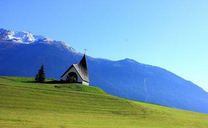 kleine Kapelle zwischen den Orten Obsteig u. Mieming gelegen.