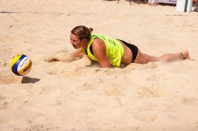 Manuela - Foto 3 - Beachvolleyball bei 35 Grad im Schatten