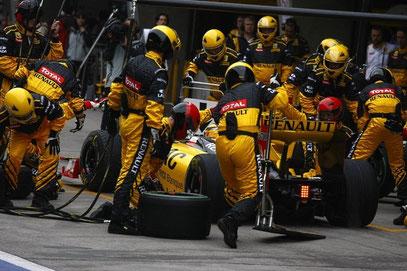Vettel Boxenstopp in Ungarn - Bild kann auch angeklickt werden