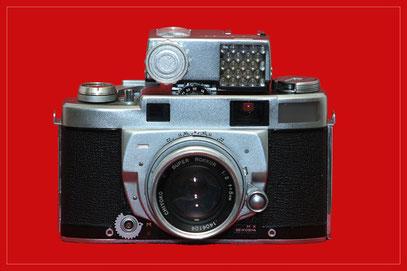MINOLTA Super A mit Objektiv 50mm; 1:2,0 und Aufsteckbelichtungsmesser (ohne Verstärker)