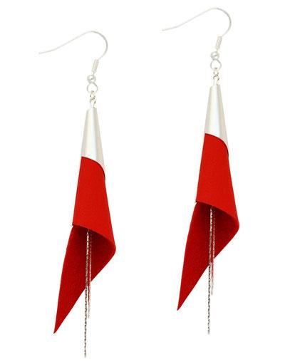 créations bijoux- créateur bijoux- bijoux fait main-bijoux cuir- créateur bijoux cuir- création bijoux- -sarayana-handmade jewelry-leather jewelry-bijoux de créateur- boucles d'oreille cuir- boucles d'oreille rouge boucles d'oreilles arum