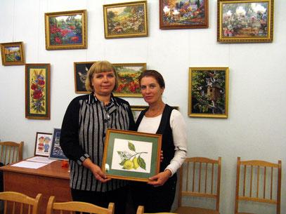 Организаторы выставки Тамара Георгиевна и Марина Александровна