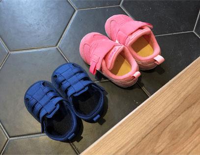 子の小さい靴はまるで置物のように可愛いです^^