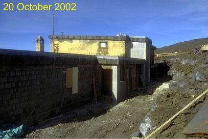 Il rifugio di Torre del Filosofo dopo il restauro di settembre 2002, ripreso da Boris Behncke