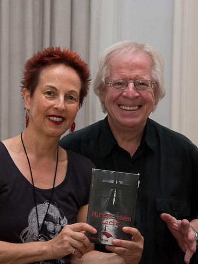 Die Verlegerin Franziska Röchter (chiliverlag) zusammen mit dem Erzähler Marc Mandel auf der text&talk in Düsseldorf am 7. September 2014 (Foto: Ellen Eckhardt)