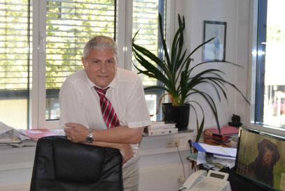 Rechtsanwalt und Notar Joachim Peter Kalb