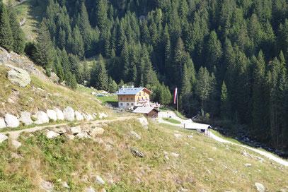 Die Neue Nassereither Hütte am Meraner Höhenweg