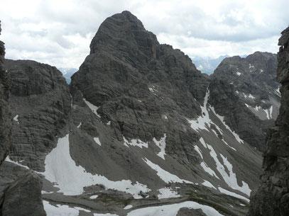 Der Große Krottenkopf mit beiden Zustiegsgraten.Gesehen von der Öfnerspitze