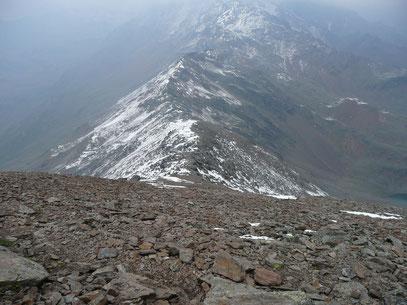 Aufstiegsflanke zur Gleckspitze mit Blick zur Schwärzerscharte