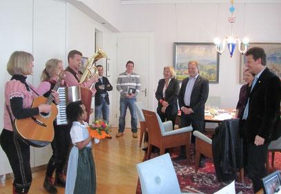 Geburtstagsständchen für den Klagenfurter Bgm Christian Scheider