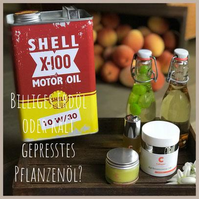 Mineralöl, Paraffin, Vaseline, Erdöl oder kalt gepresstes Aprikosenkernöl oder Traubenkernöl