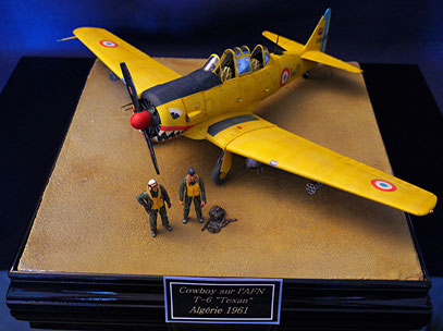 "T-6 ""texan"" Kitty Hawk 1/32"