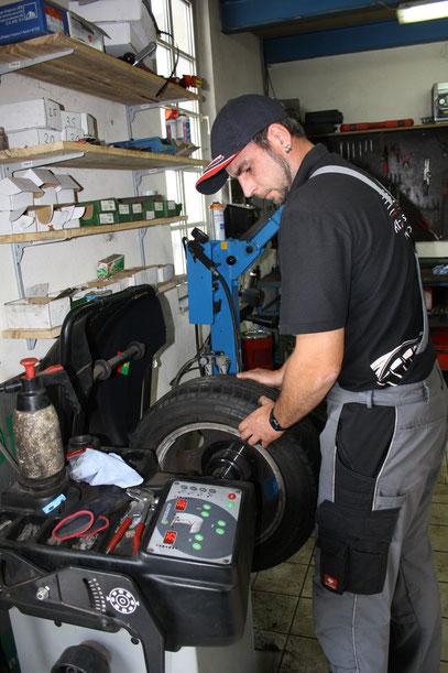 Reifenservice: PP-KFz-Werkstatt. Freie Werkstatt für alle Typen. Günstige KFZ Werkstatt