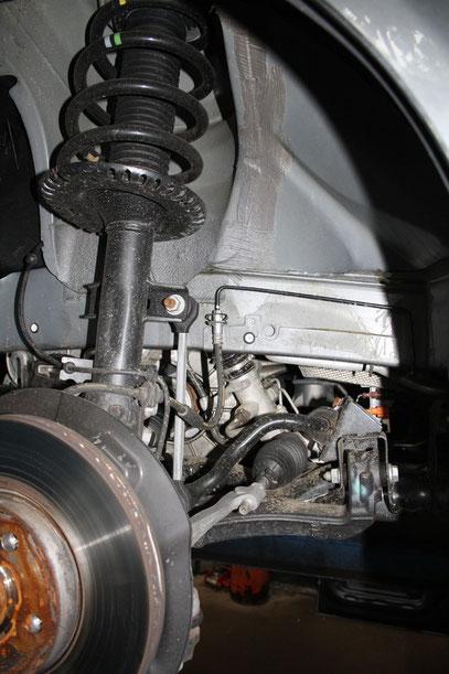 Richtbankarbeiten, Karrosserie und Fahrwerksreparaturen: PP-KFZ -Ihre preisgünstige Autowerkstatt