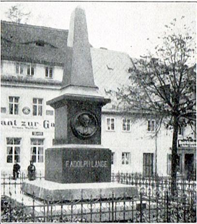 Lange Denkmal um die Jahrhundertwende