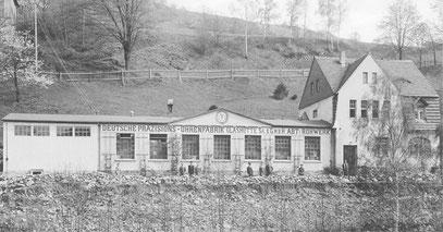 """Das Fabrikgebäuder der ehemaligen Firma Uhrenfabrik """"Bahnzeit"""" Paul Westendorp (1909 -1019) im Jahr 1920. Quelle: DUZ  Nr.2 v.7. Januar 1921 S.19"""
