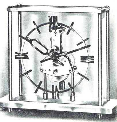 [4] Die von Manfred Szyska konstruierte Tischuhr