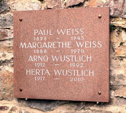 Die Grabstätte Weiss & Wustlich auf dem Friedhof Glashütte