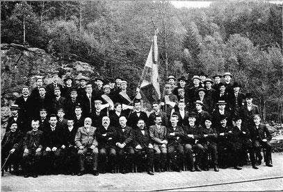 Schüler und Lehrer des DUS-Jahrganges 1903