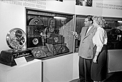 *Bildausschnitt vom GUB Stand auf der Leipziger Herbstmesse 1955