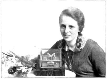 Friedel Möller bei der Präsentation ihrer Schülerarbeit mit der DUS Nummer 4000.