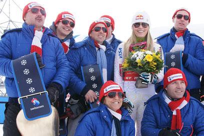 Zwei Siege und einen zweiten Platz! Lindsey Vonn dominierte die Rennen. ... und sie weiss auch wo der Fotograf steht. Ganz im Gegensatz zu meinen Swisscom-Kollegen ... wo schauen sie wohl hin?