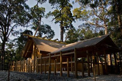 Ise - der Ise-Jingu-Schrein gehört zu den wichtigsten Heiligtümern der Japaner. Im Bild die kleine Replika aus dem Jahre 2013.