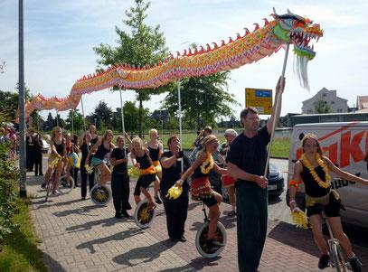 Festumzug zum 10-jährigen Jubiläum des Tanzstudio Graf