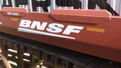 "USA Trains BNSF ""Speed Lettering"""