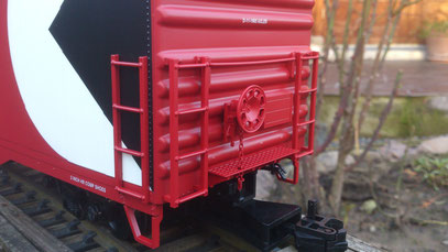 "USA Trains 60"" Box Car CPR detailed Breaksystem"