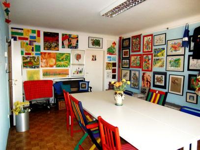 mein Atelier mit neuen Arbeitstischen für Malkurse