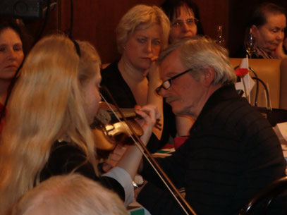 Die bezaubernde hochbegabte 10 jährige Violinspielerin Léonie
