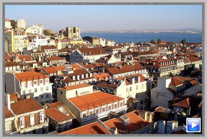 Blick über die Dächer von Lissabon