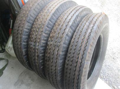Nouveau pneus 18 4x30 900x16 1400x20 for Chambre a air tracteur occasion