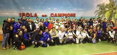 ISOLA DI CAPO VERDE ARRIVIAMO  !!!!!!!!!!! FEBBRAIO 2015 ___NELLA FOTO I 64 GIOCATORI CHE PARTECIPERANNO ALL'ISOLA DEI CAMPIONI DUE SONO DELLA LOMBARDIA