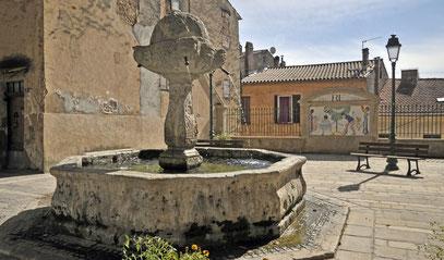 fontaine place de la Révolution