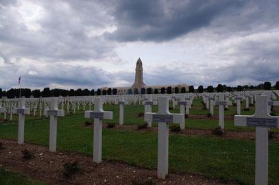 Beinhaus und Friedhof im Juni 2013
