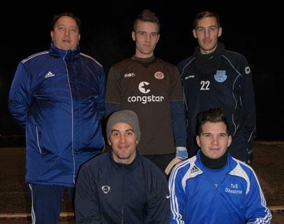 Trainer Klaus Finzel mit  Marvin Nöldemann, Florian Fiedler, Jan Moritz, Jonas Walter (von oben links nach unten rechts) (Andrés Grabau fehlt auf dem Bild).