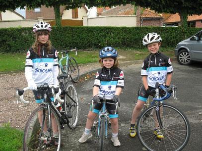 Angèle, Adèle et Antonin Maloigne à FOUILLOY le 14 Juillet