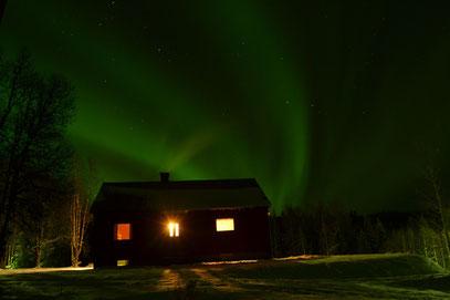 """Unser großzügiges Ferienhaus """"Astrid Lindgren"""" unter dem Polarlicht"""