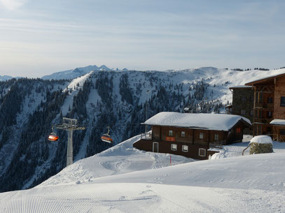 Asitz-Bräu Hütte an der Bergstation der Asitzbahn