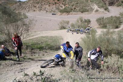 Agentur-Grenzbereich Sportenduro Reisenenduro Training