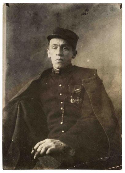 Portrait réalisé le dimanche de Pâques 1916, quelques mois après son amputation du  bras droit