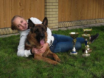 Дочь Регина с многократным победителем Ярантом фон Нордэн
