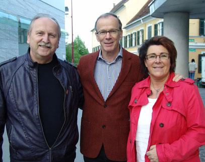 EU-Kandidat Eugen Freund mit Miesenbachern am 30.4.2014 in Weiz